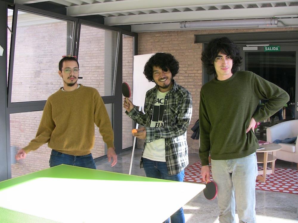 Andrés, Emilio y Diego en Las Naves. Foto: Eva M. Rosúa.