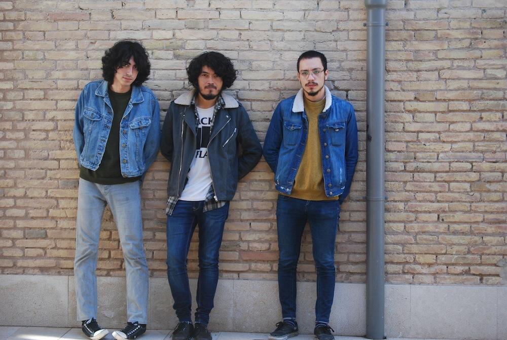 Diego, Emilio y Andres (Acapvlco) en Las Naves. Foto: Eva M. Rosúa.