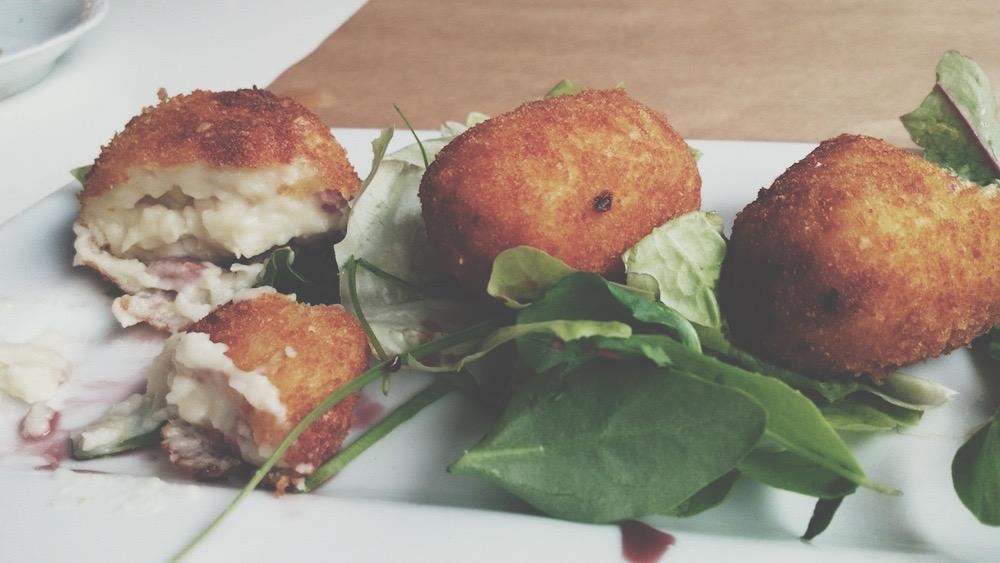 Croquetas de pollo y jamón en Rivendel