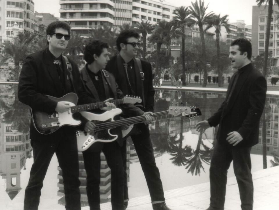 Foto: Enric Boyer. Paco Orozco (guitarra rítmica y voz solista), Enrique Marí (bajo), Santiago Penagos (guitarra solista y voz) y Carlos Gómez (batería).