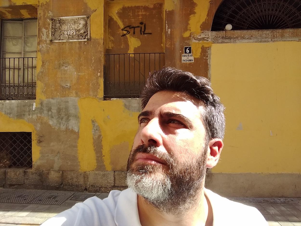 Luis Fernández, posiblemente el hombre que más sabe sobre las calles de València