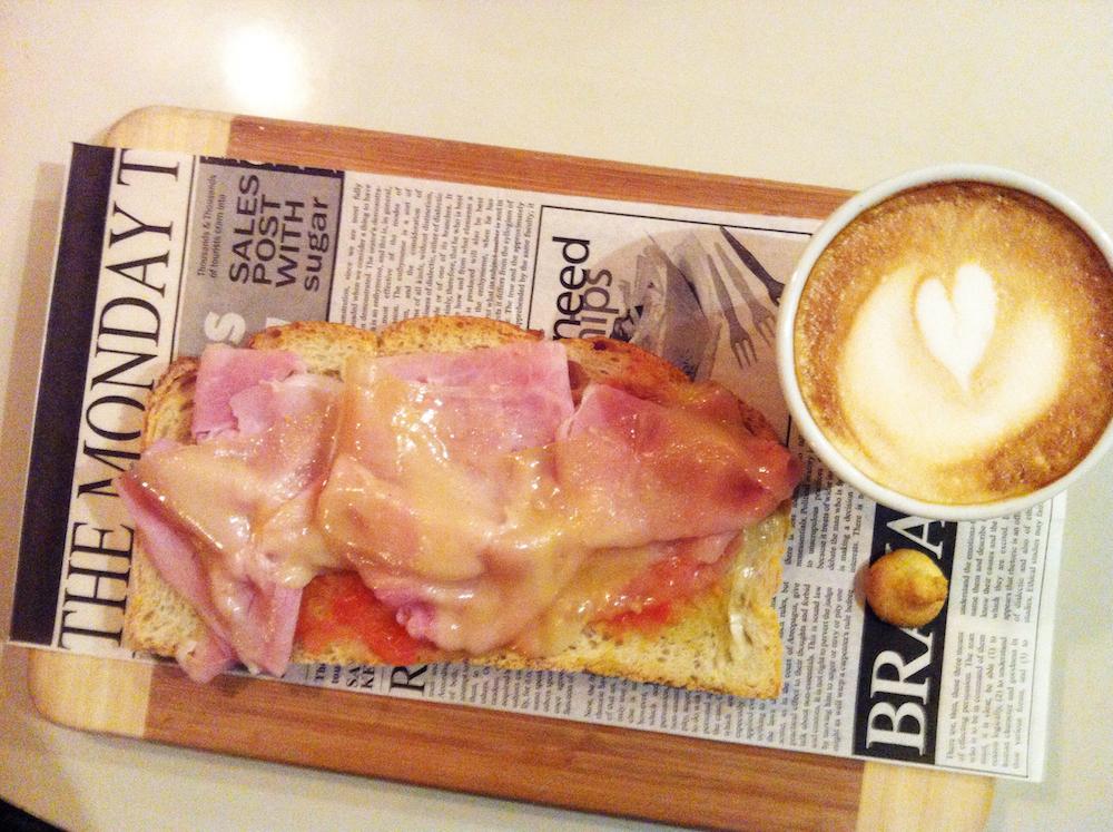 La comida más importante del día (I): Monviso Italian Café