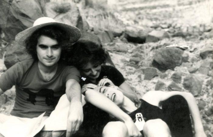 De izquierda a derecha, Manuel Borrás (con el sombrero), Silvia Pratdesaba y Manuel Ramírez. Almería, años 70.