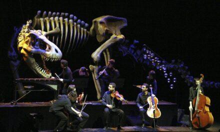 """Un carnaval de animales y el náufrago Crusoe en """"Nadal a l'Escalante"""""""