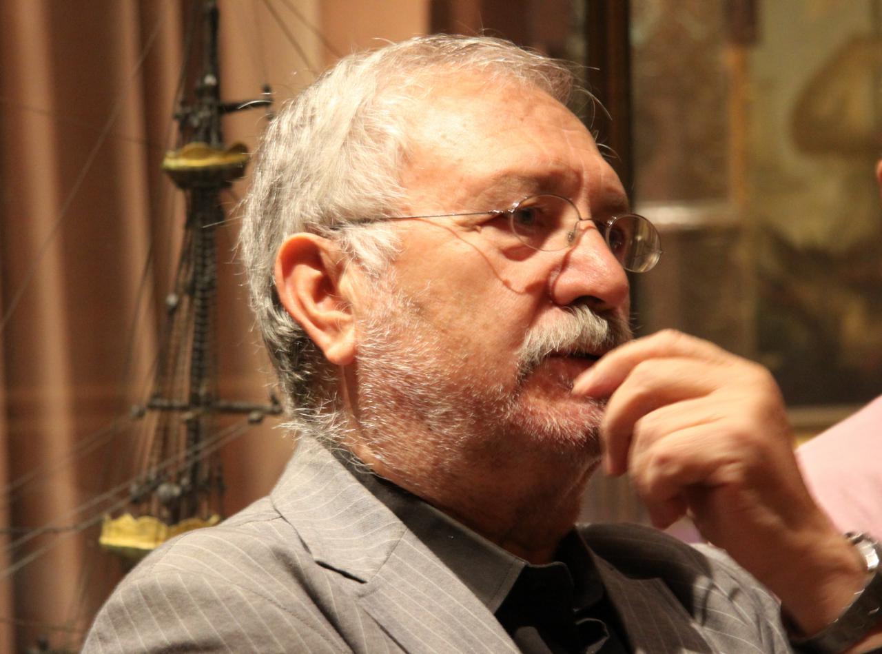 Fernando Martínez Laínez es uno de los escritores que participa en el Black Meeting.