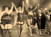 Y Cobi hizo un striptease (o algo así)